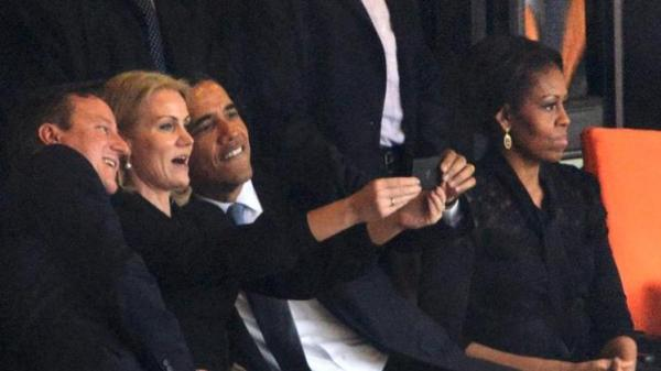 obama south africa selfie