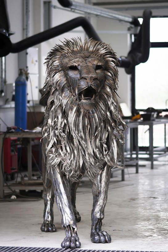 metal-lion-2